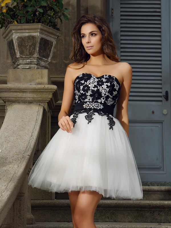 A-Line/Princess Sweetheart Applique Sleeveless Short Tulle Cocktail Dresses