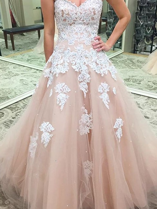 Ball Gown Sweetheart Sleeveless Applique Tulle Floor-Length Dresses