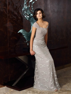 A-Line/Princess Off-the-Shoulder Sleeveless Chiffon Floor-Length Applique Dresses