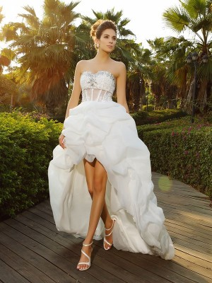 A-Line/Princess Sweetheart Asymmetrical Sleeveless Beading Organza Wedding Dresses