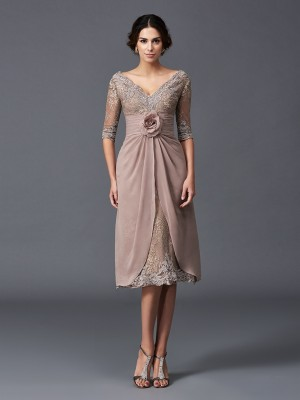 A-Line/Princess V-neck 1/2 Sleeves Hand-Made Flower Tea-Length Lace Mother of the Bride Dresses