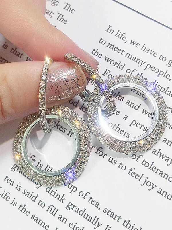 Women's Trending Round Crystal Earrings