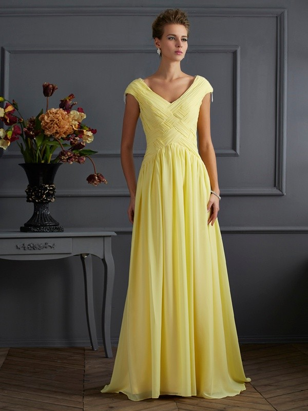 A-Line/Princess V-neck Short Sleeves Pleats Long Chiffon Dresses