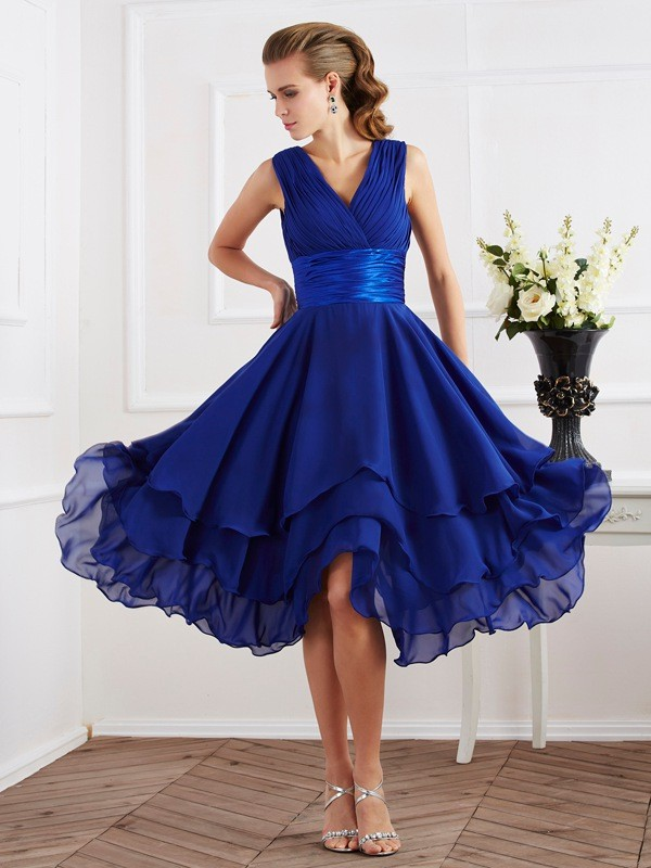 A-Line/Princess V-neck Short Sleeves Pleats Short Chiffon Bridesmaid Dresses