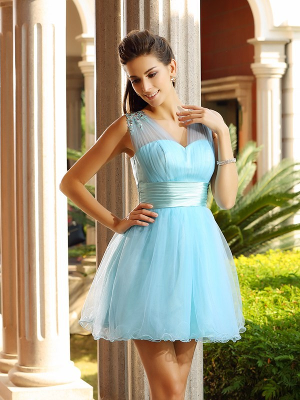 A-Line/Princess V-neck Pleats Sleeveless Short Net Cocktail Dresses