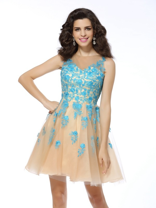 A-Line/Princess Bateau Applique Sleeveless Short Tulle Cocktail Dresses