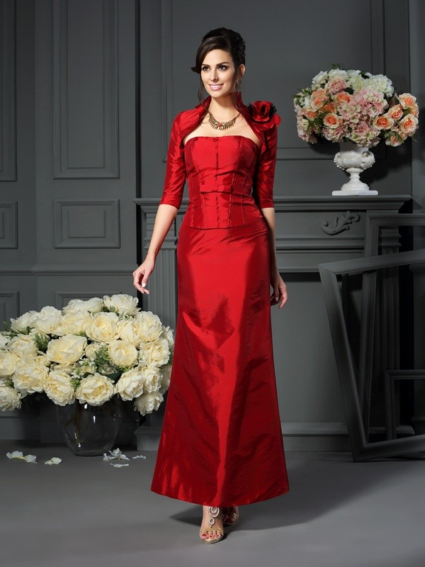 A-Line/Princess Strapless Hand-Made Flower Sleeveless Long Taffeta Mother of the Bride Dresses