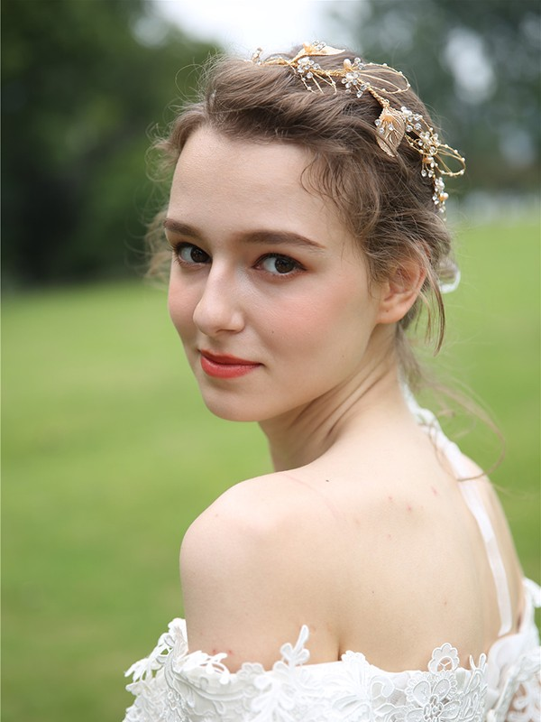 Lovely Pearls Bridal Headpieces