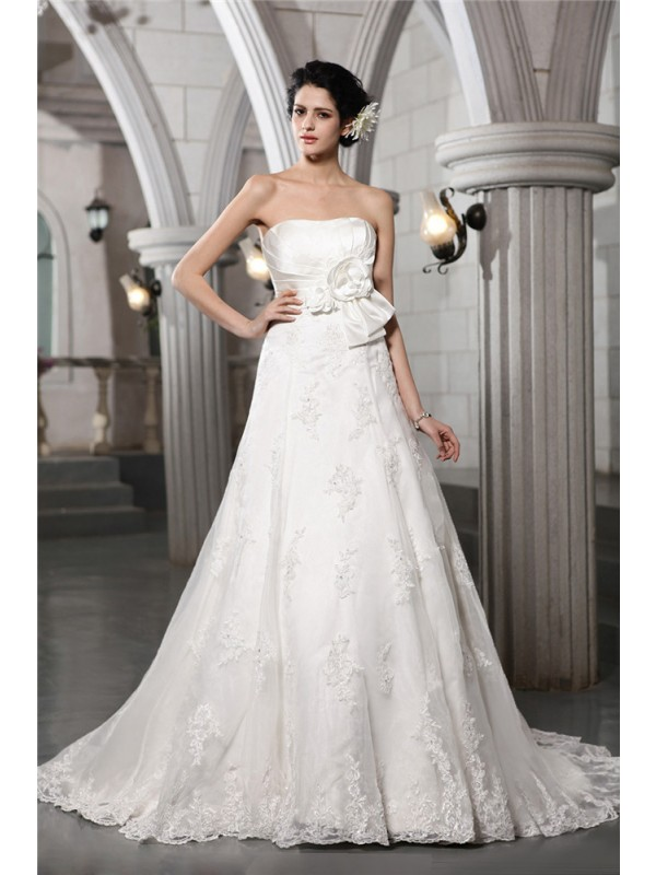 A-Line/Princess Strapless Sleeveless Beading Applique Hand-Made Flower Long Satin Wedding Dresses