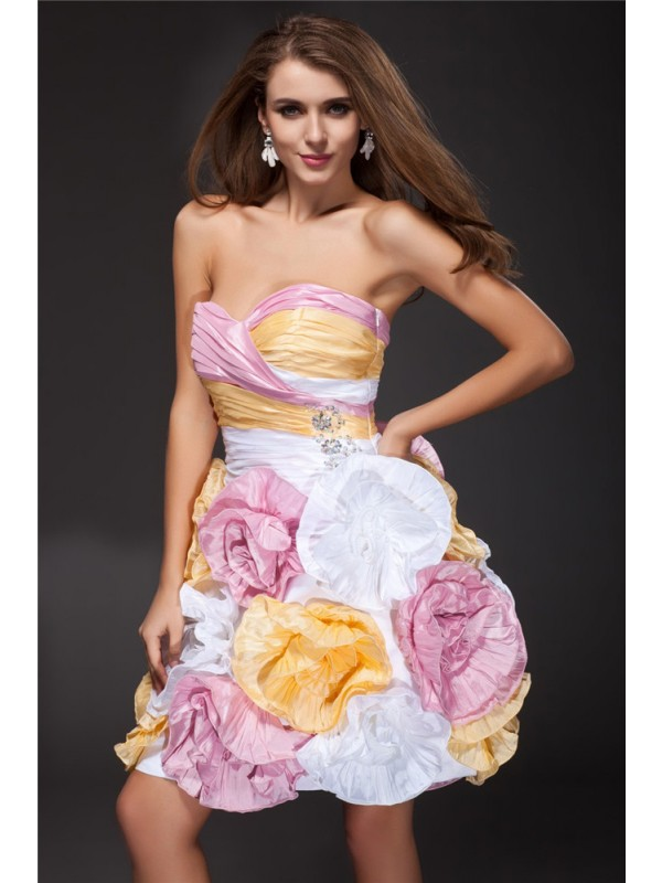 A-Line/Princess Sweetheart Ruffles Sleeveless Hand-Made Flower Short Taffeta Cocktail Dresses