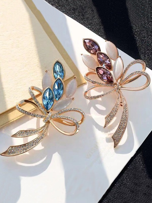 Beautiful Alloy With Rhinestone Womens Brooch