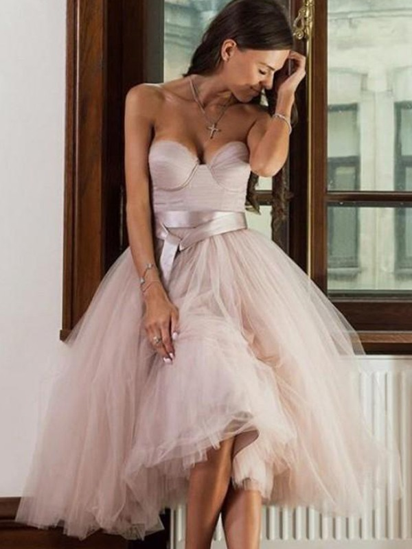 A-Line/Princess Tea-Length Sweetheart Sleeveless Tulle Sash/Ribbon/Belt Dresses