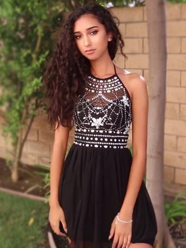 A-Line/Princess Short/Mini Halter Sleeveless Chiffon Beading Dresses
