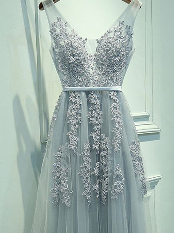 A-Line/Princess Sleeveless V-neck Tulle Applique Floor-Length Dresses