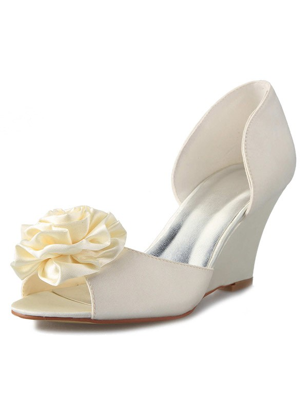 Women's Wedge Heel Satin Peep Toe With Flower White Wedding Shoes