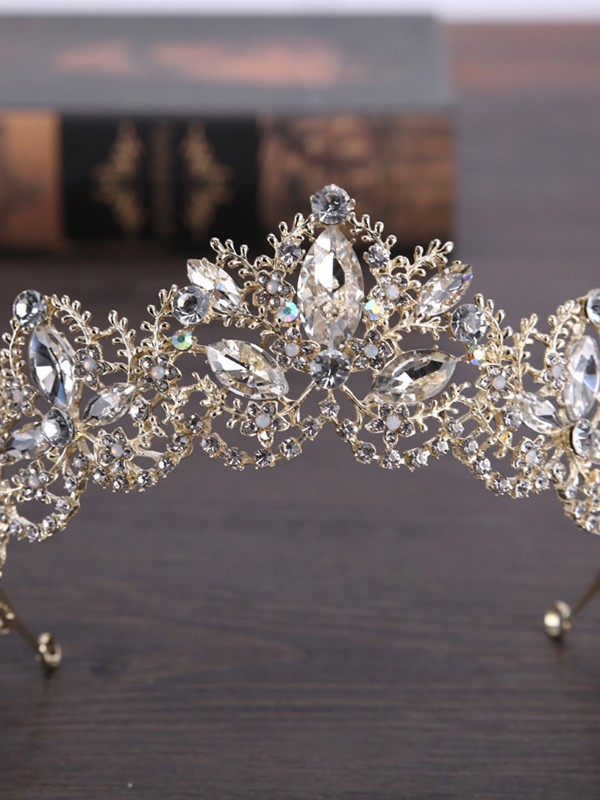 Very Amazing Crystal Wedding Headpieces