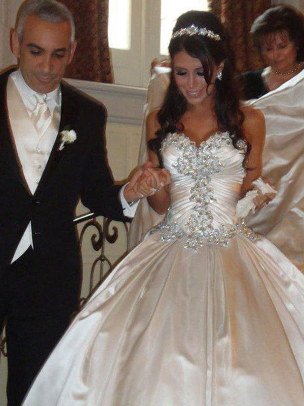 Ball Gown Taffeta Sweetheart Sleeveless Cathedral Train Wedding Dress