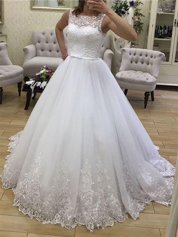Ball Gown Tulle Scoop Sleeveless Court Train Wedding Dress