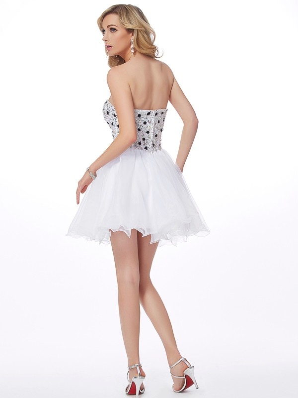 A-Line/Princess Sweetheart Sleeveless Beading Short Elastic Woven Satin Dresses