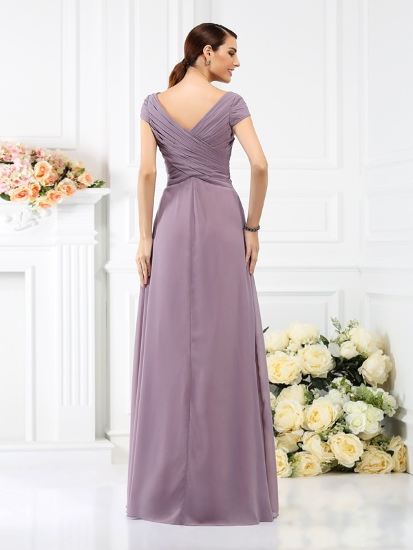 A-Line/Princess V-neck Pleats Short Sleeves Long Chiffon Bridesmaid Dresses