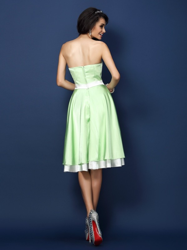 A-Line/Princess Strapless Sleeveless Short Elastic Woven Satin Bridesmaid Dresses