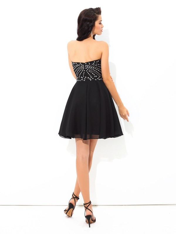 A-Line/Princess Sweetheart Paillette Sleeveless Short Chiffon Cocktail Dresses