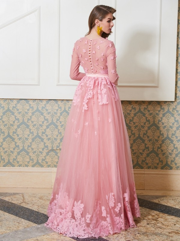 A-Line/Princess Scoop 3/4 Sleeves Floor-Length Applique Tulle Dresses