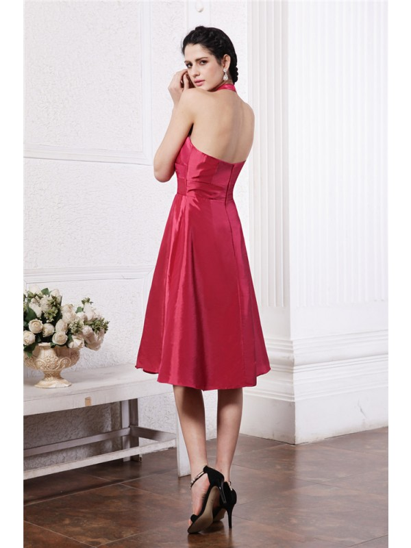 A-Line/Princess Halter Sleeveless Pleats Short Taffeta Bridesmaid Dresses