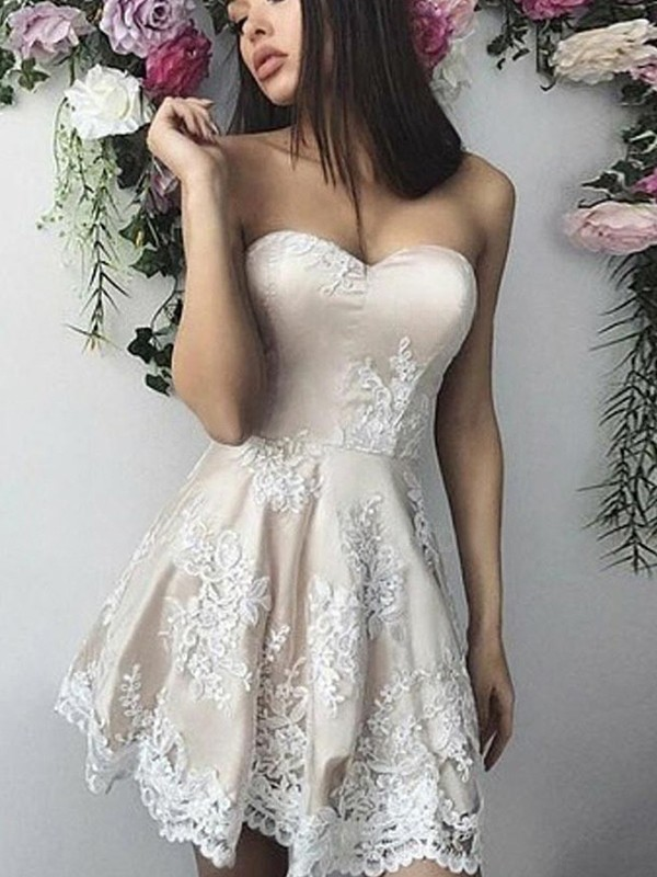 A-Line/Princess Short/Mini Sweetheart Sleeveless Lace Applique Dresses