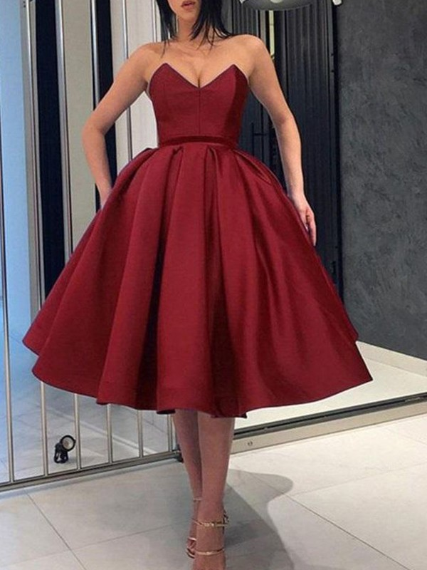 Ball Gown Knee-Length Sweetheart Sleeveless Satin Ruffles Dresses