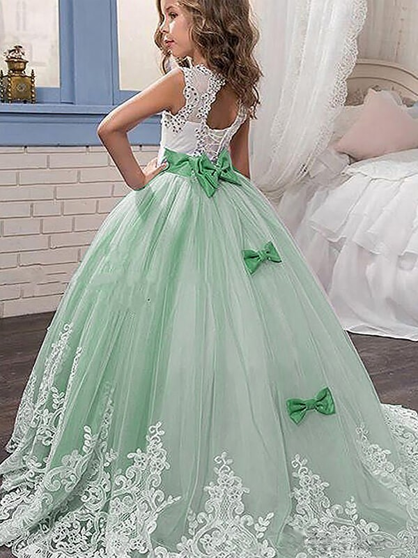 Ball Gown Jewel Sleeveless Lace Sweep/Brush Train Tulle Flower Girl Dresses